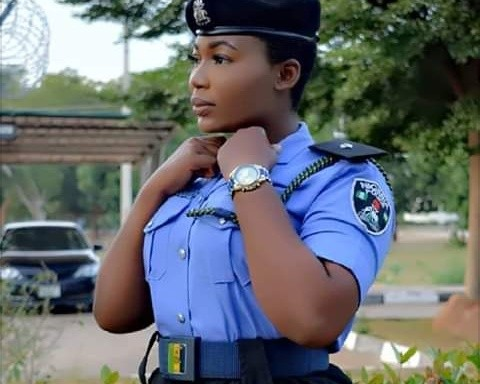 Police Woman Cause  Commotion on Social Media with her Heavy Backside