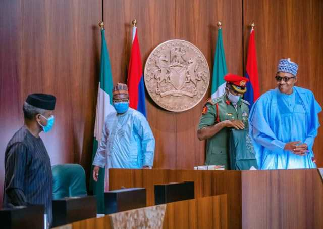 Security Breaches in Presidential Villa - PDP Tasks Buhari to Speak out