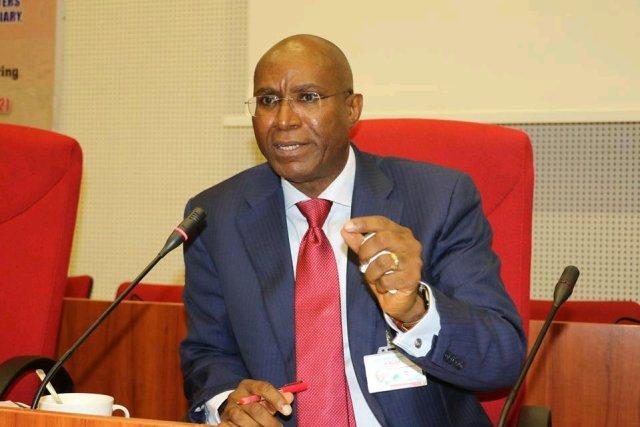 See How Nigerians Reacted After Deputy Senate President Support Biafran Agitators