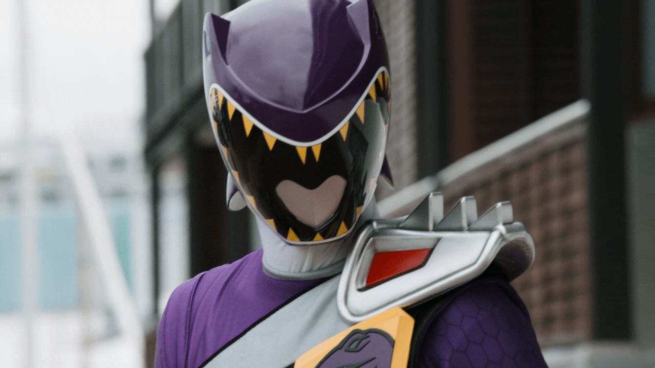 """Weekly Ranger Review: Dino Charge Episode 17, """"World Famous (In New Zealand)"""""""