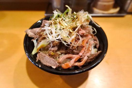 ローストビーフ油そば+肉ご飯