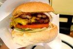 肉が美味いのは当たり前。グルメバーガーの真骨頂はバンズ@四ツ谷 CRUZ BURGERS