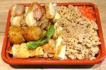 焼鳥も鶏ハムもそぼろも入った全部入り弁当 白金気鶏@赤坂バル横丁