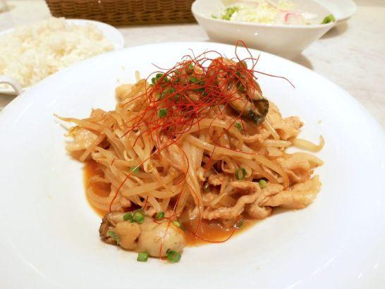 牡蠣と豚肉の生姜焼き