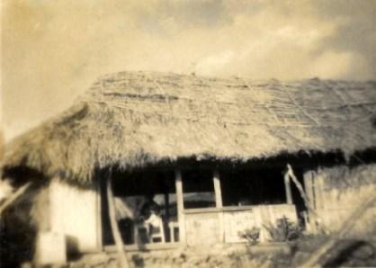 茅葺き校舎(昭和27~28年頃)