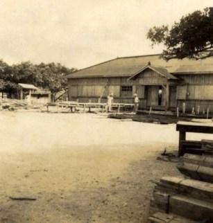 トタン葺き校舎(昭和29年)