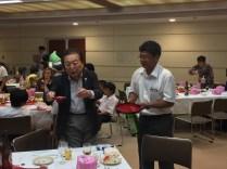 この歓迎会の主催者、小林東十条小学校PTAOB会長