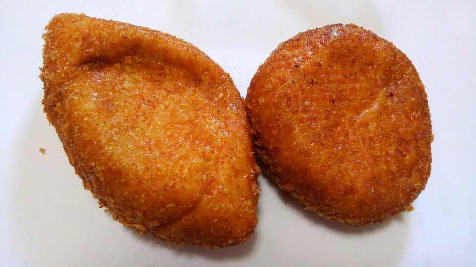 カトレアのカレーパン元祖と辛口の形