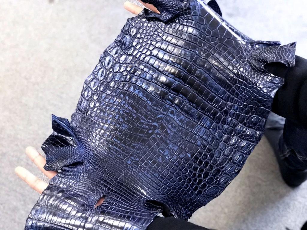 コスモブルークロコダイル革