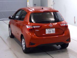 2017 Toyota Vitz F