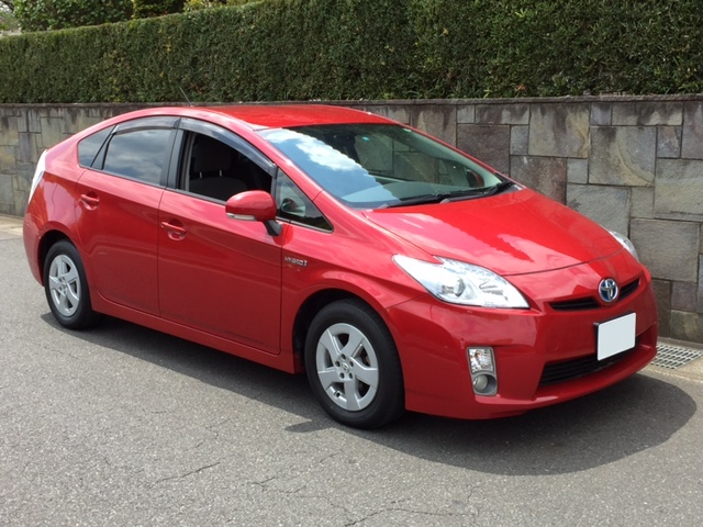 Export to New Zealand Toyota Prius Hybrid Barcelona Red Mica