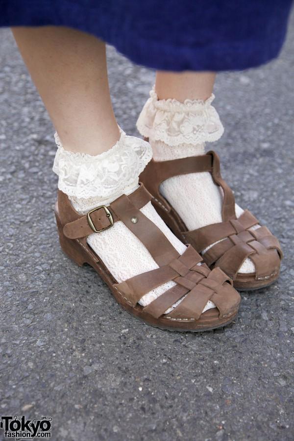 Lace socks & Beam sandals in Harajuku