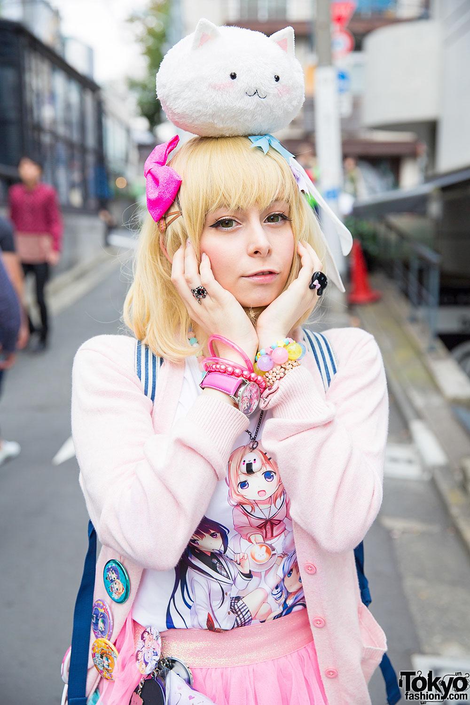 Harajuku Goth Style Vs Pastel Style W Hello Kitty Nude N