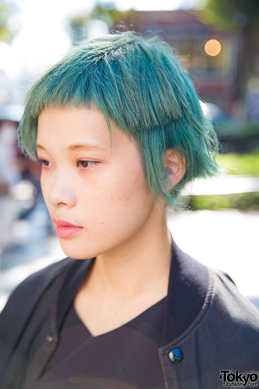 Harajuku Girl W Short Green Hair In E Hyphen World
