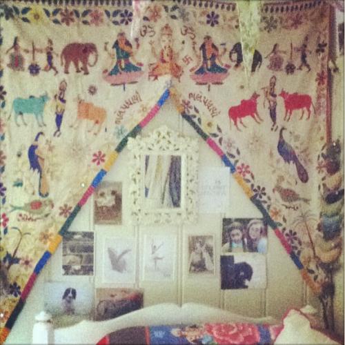 Instagram toran bedroom
