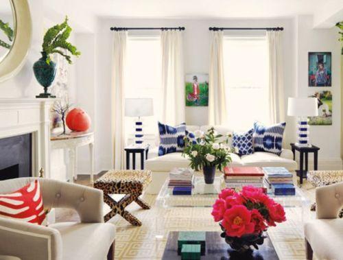 Claiborne Swanson Frank's apartment lucite coffee table.