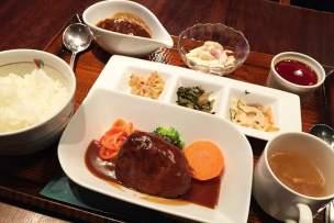 東京駅周辺のランチ24選!絶対食べるべきグルメはコレだ!