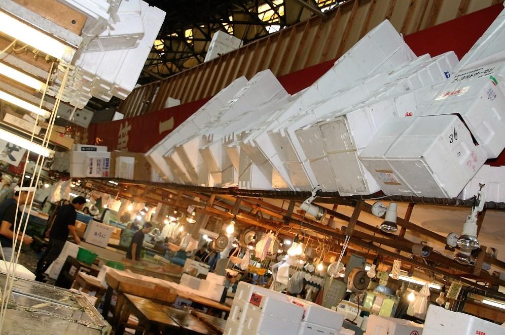 tsukiji-inside