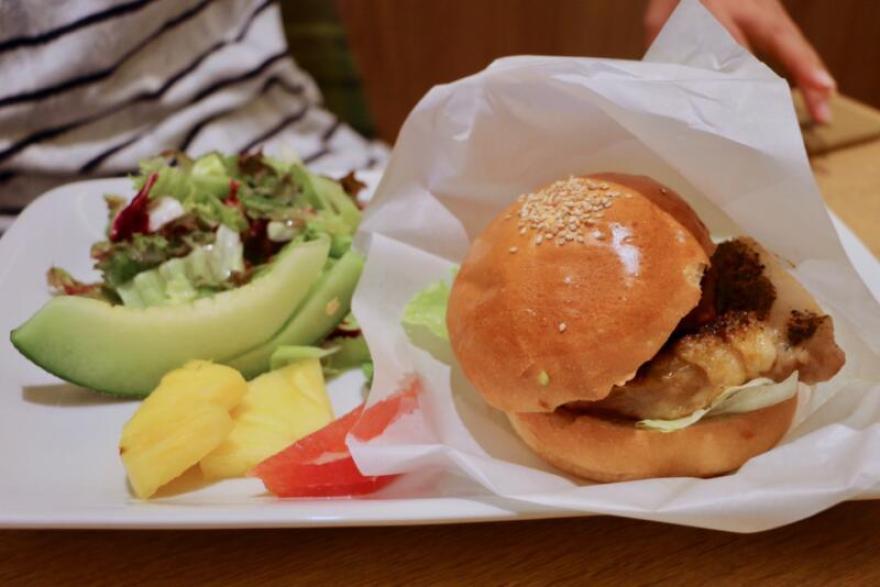 果実園のチキンバーガー