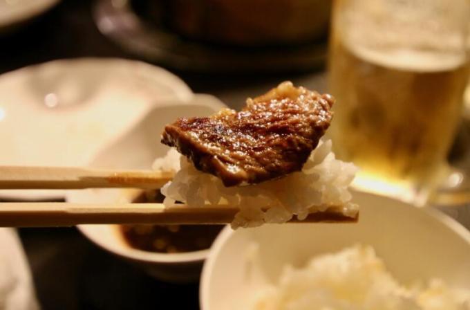 ラム肉はマトンよりも、全然臭みがなくて脂身もくどくなく甘みを感じます。
