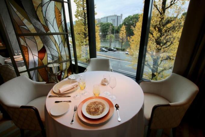 フランス料理「RESTAURANT PRUNIER」(レストランプルニエ)