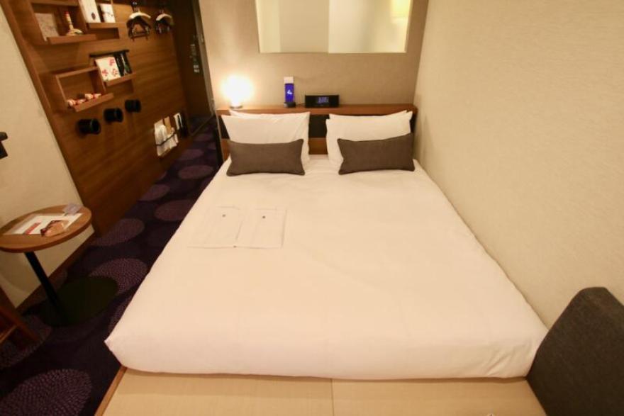 ホテル龍名館東京 寝る姿勢を自然なままキープする「エアーSX」は、点でカラダを包み込むような感じで朝までぐっすり