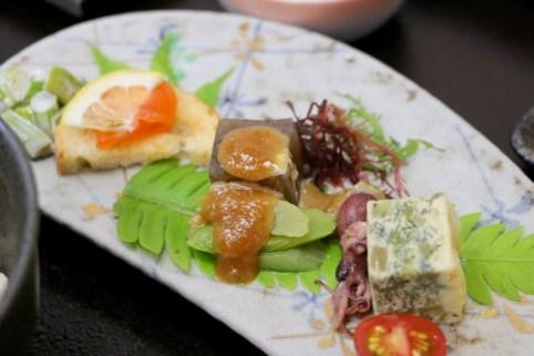 信州サーモンのマリネ・ふきのキッシュ・えご・うどの酢味噌