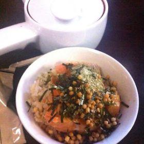 今日の朝ご飯は鮭茶漬け(*˘︶˘*).。.:*♡