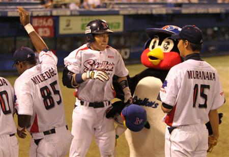 I like to move-it, move-it! Morioka celebrate his go-ahead HR in style!