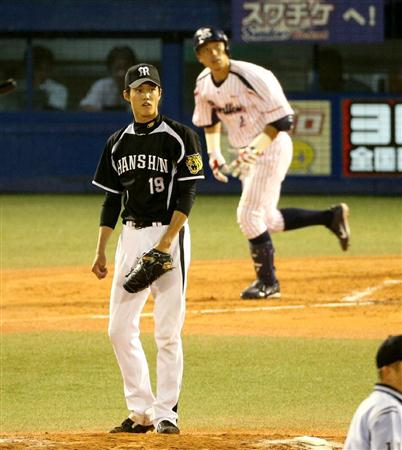 Aikawa gets the winning runs off of Fujinami