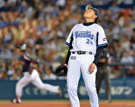 The Swallows finally cracked the BayStars bullpen.