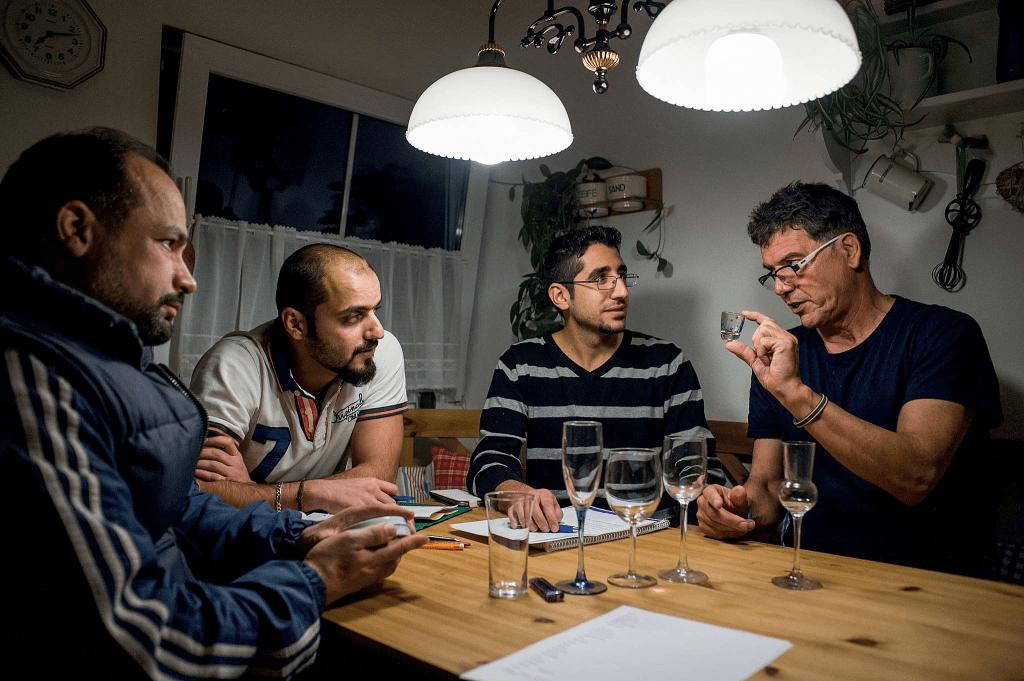 Refugees Germany Training in the apartment of Lothar Jacobi, Fischen im Allgäu. Photo: Matěj Stránský