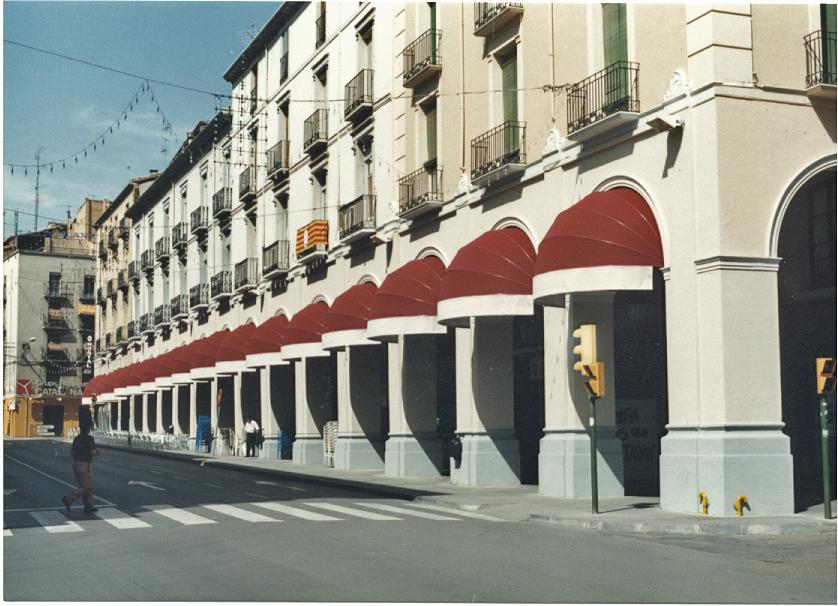 Toldos de capotas para fachadas
