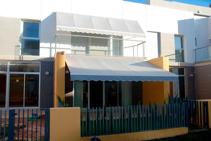 Toldos valencia venta y fabricaci n de toldos y persianas - Toldos para patios interiores ...