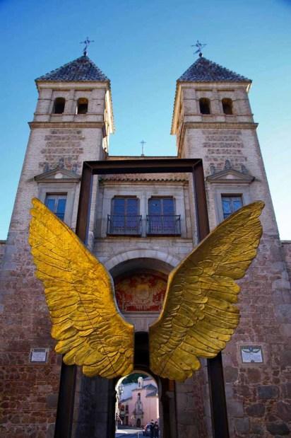 Alas de México - Puerta de Bisagra Toledo