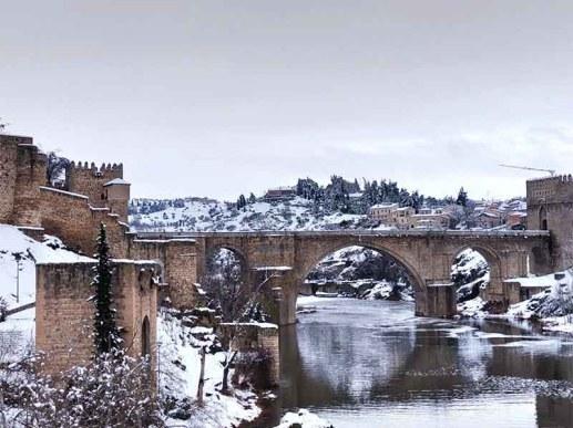 Puente San Martín Toledo nevado