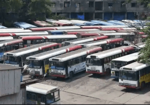 Festive Rush: APSRTC Comes Down To Telangana Conditions