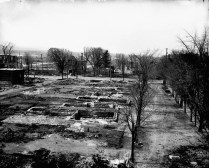 Ruines après le feu. No MIKAN 3363983 BAC
