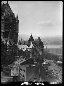 Chateau Frontenac. 1932. Clifford M. Johnston / Bibliothèque et Archives Canada / PA-056563