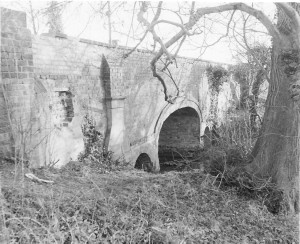 either side of Cotgrave Lane old bridge 201275