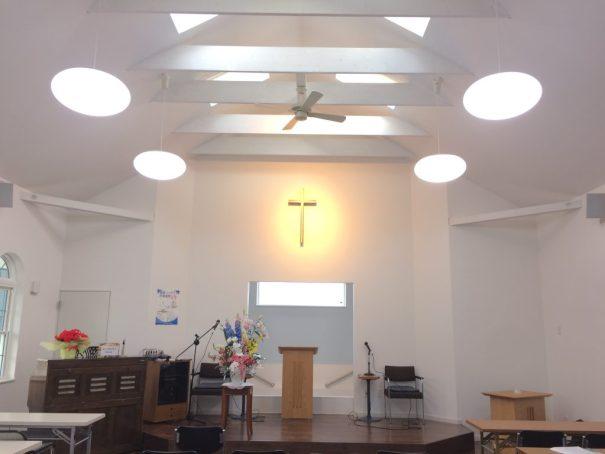 礼拝堂(ライト点灯)