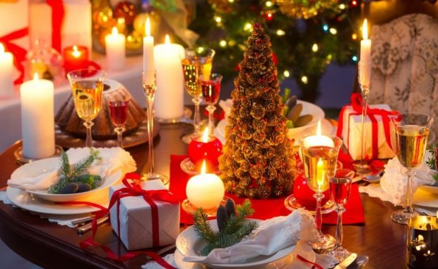 christmas_dinner_table-wallpaper-1440x900