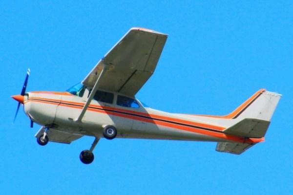 スージー航空 給料 年収 路線図