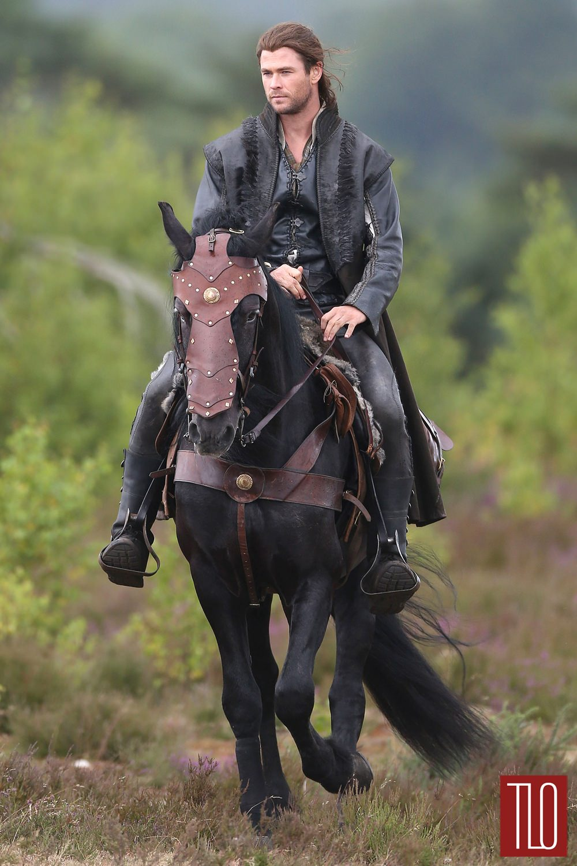 Chris Hemsworth On The Set Of The Huntsman Tom Lorenzo
