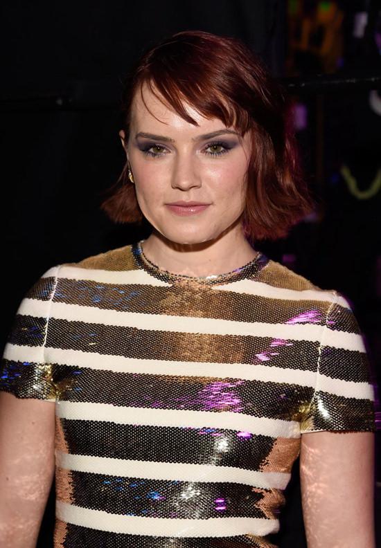 Daisy Ridley In Christian Dior At The Teen Choice Awards