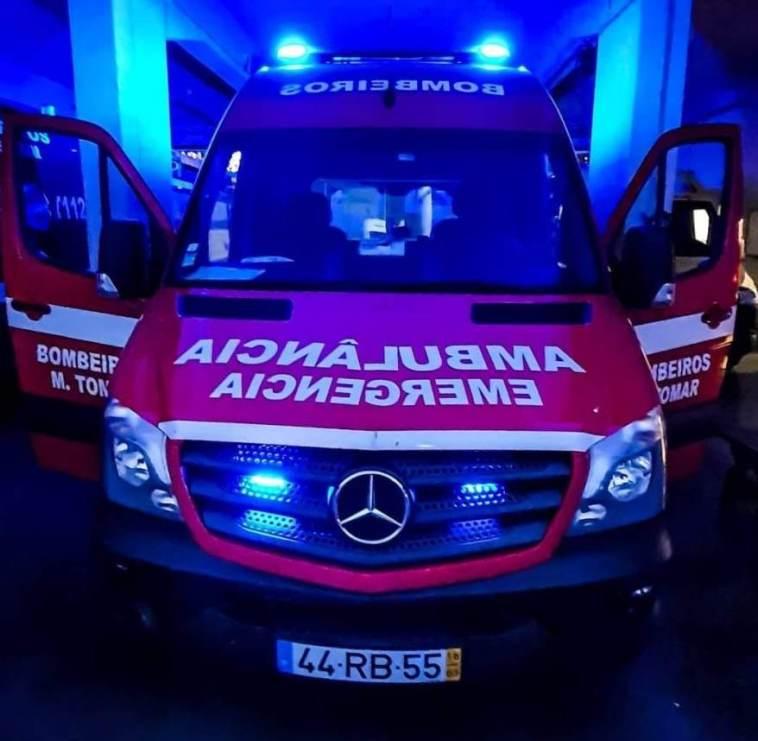 ambulancia bombeiros 683462 36570614245444 o