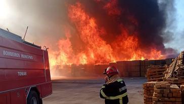 incendio paletes 454 60097000848361577 n