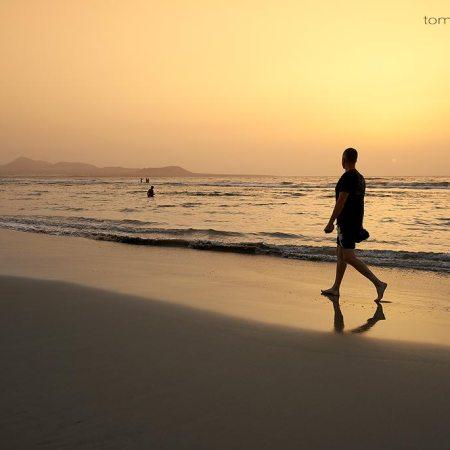Paseando por la Playa de Famara