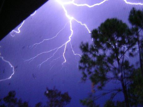 Lightning-728526-1