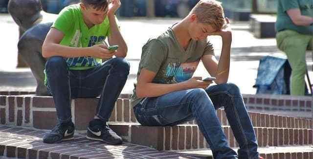 cómo saber si tienes adicción al móvil